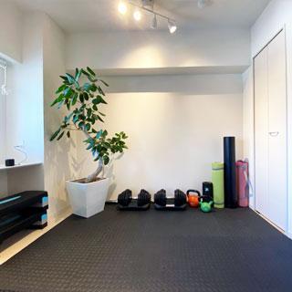ストレッチや自重トレーニングルームです。